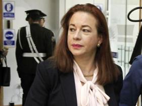 La oposición presentó 59 firmas para solicitar juicio político contra la canciller María Fernanda Es