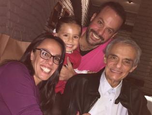 Hijos de José José se ven las caras en clínica donde está internado el cantante