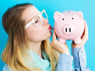 ¿Ahogada en deudas? Cómo ahorrar sin darte cuenta