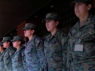 Las mujeres ecuatorianas realizarán conscripción militar voluntaria por primera vez en el país