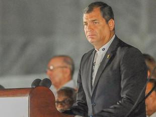 """Abogados de Rafael Correa y Pablo Romero, """"preocupados"""" por poco tiempo para revisar docum"""