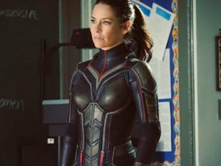 Evangeline Lilly no podía comer con su atuendo de superhéroe