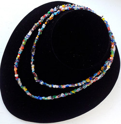 Title: Murano-type glass chip necklace
