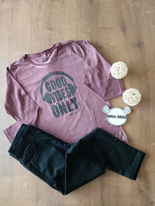 Conjunto camiseta e calça