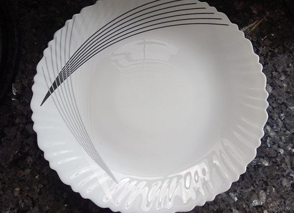 Bone china dinner plates with contemporary design