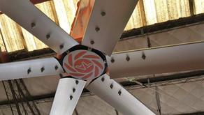Ventilador Gigante Céfiro refrescando un Distribuidor en Córdoba 📍