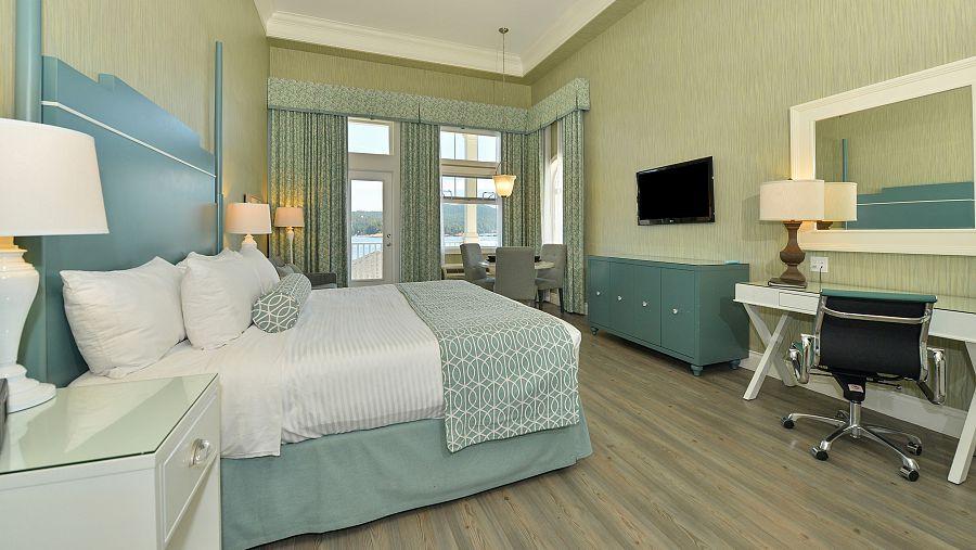 Sooke - King Hospitality Oceanfront Balc