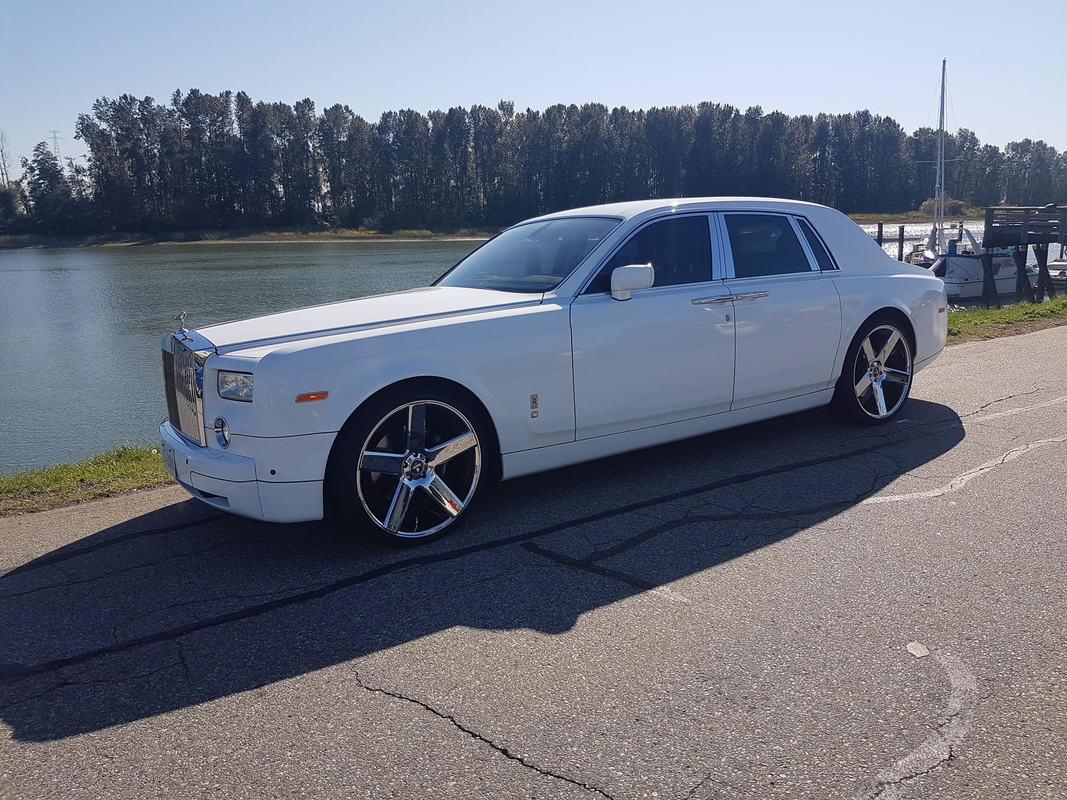 rolls-royce-phantom-rental-ultimate-limo