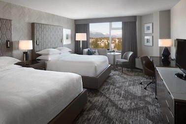 yvrsi-view-guestroom-8237-hor-clsc.jpg
