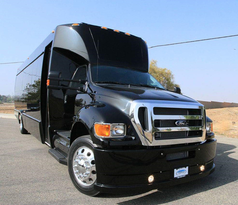 ford-f650-black-panther-limo-bus--1.jpg