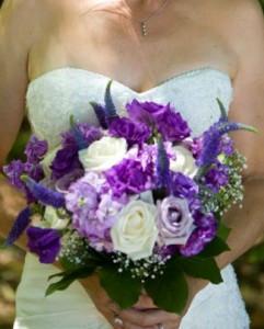 poppin-purple-bridal-bouquet.365.jpg