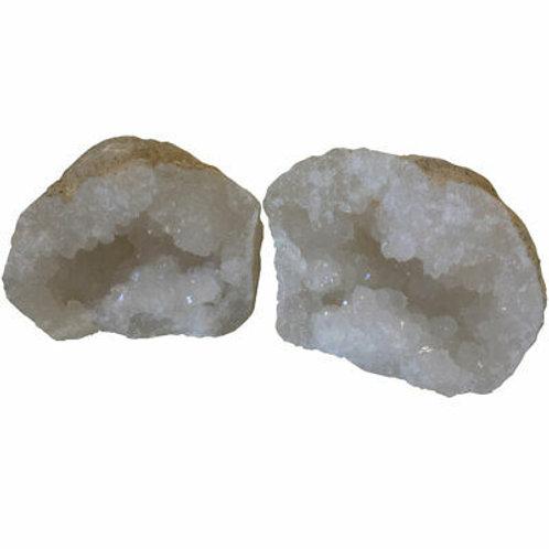 Mini Géode de Quartz Entière (5 à 10 cm)