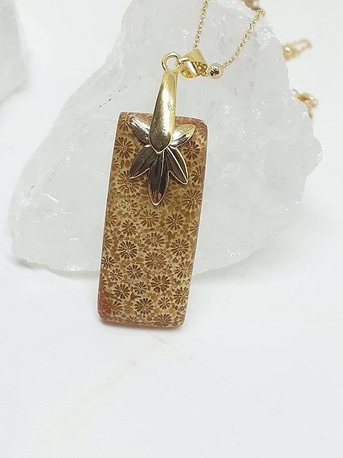 Collier pendentif Corail Fossil