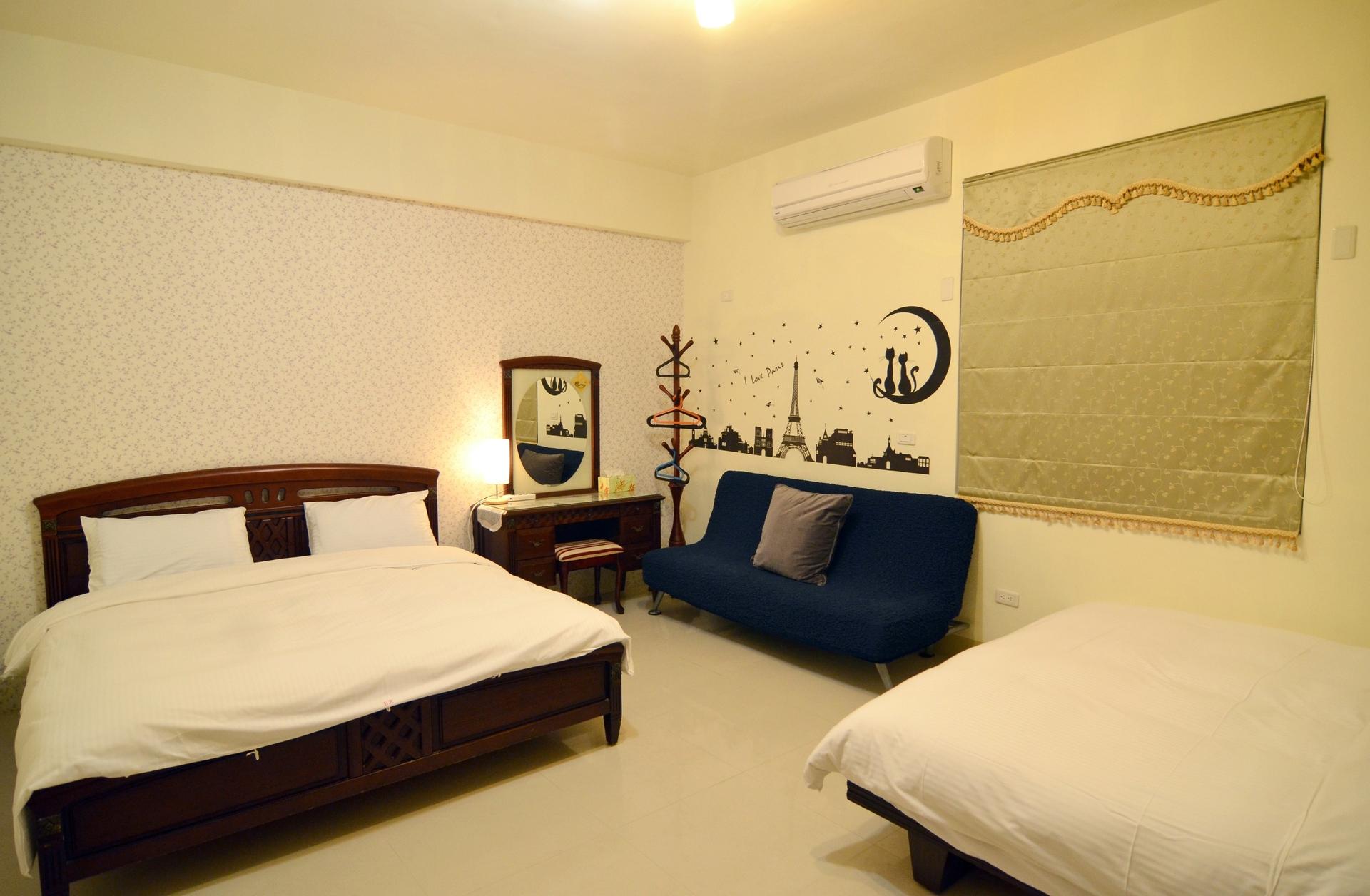 302-room1