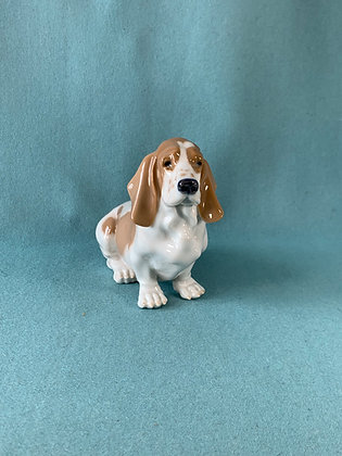 Nr: 4616 - Hund Basset hound Royal Copenhagen RC