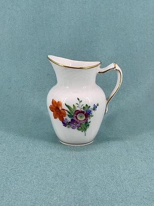 Nr: 493/1538 - Flødekande Let Saksisk Blomst Royal Copenhagen RC