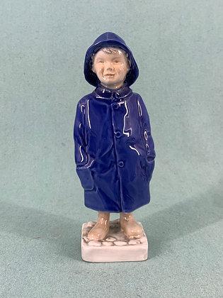 Nr: 2532 - Dreng med regnfrakke Bing og Grøndahl B&G