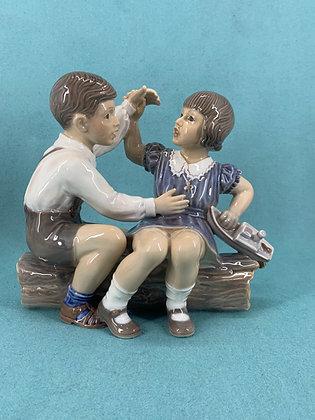 Nr: 1214 - Pige og dreng med skib Dahl Jensen