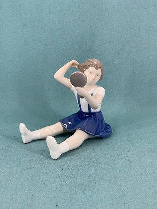 Nr: 2318 - Pige med spejl Bing og Grøndahl B&G