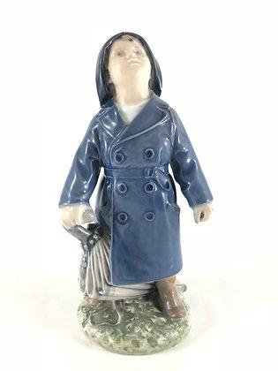 Nr: 3556 - Dreng i regnfrakke Royal Copenhagen