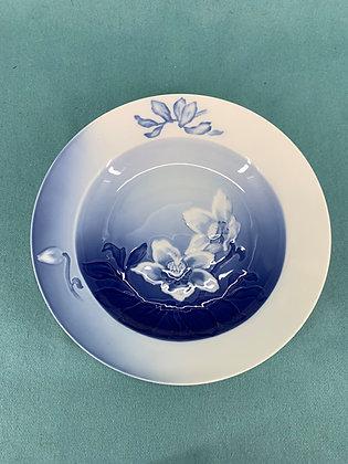 Nr: 23 / 323 - Dyb tallerken Julerose Bing og Grøndahl B&G