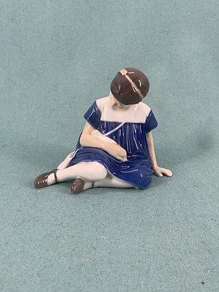 Nr: 1526 - Pige med dukke Bing og Grøndahl B&G