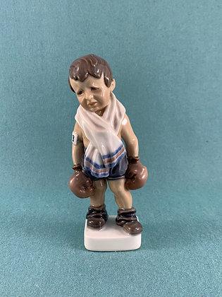 Nr: 1069 - Dreng med bokserhandsker Dahl Jensen