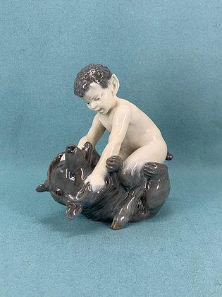 Nr: 648 - Faun med bjørn Royal Copenhagen