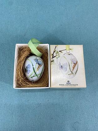 År: 2012 - Sommerfugl og græs Påske æg Royal Copenhagen