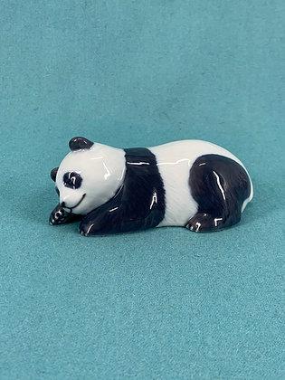 Nr: 665 - Sovende panda Royal Copenhagen RC