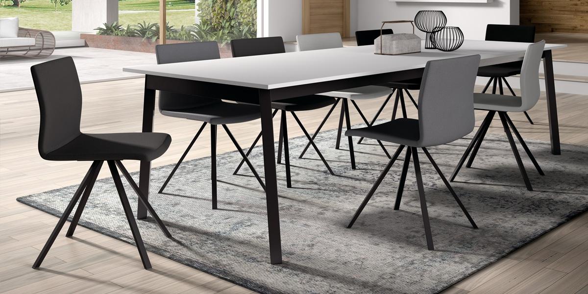 Table VICTORIA / chaises SILVA