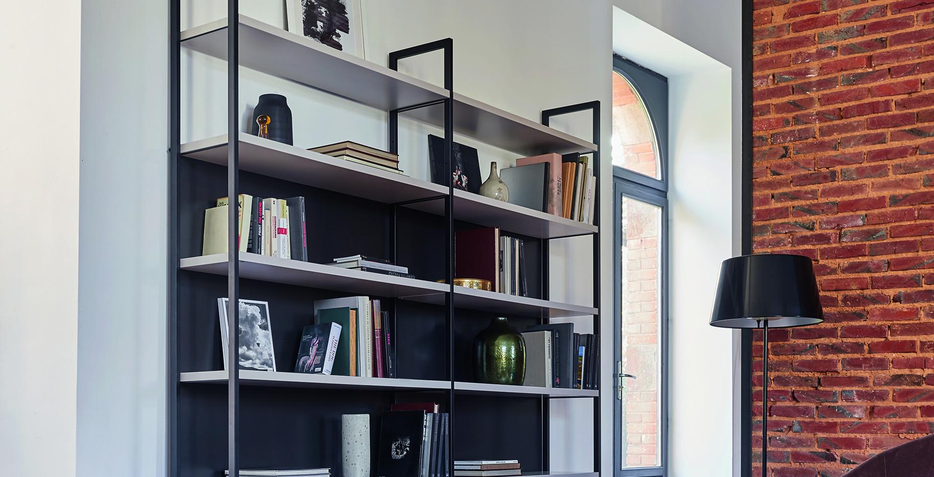 bibliotheque-cachemire-fond-noir-ambianc