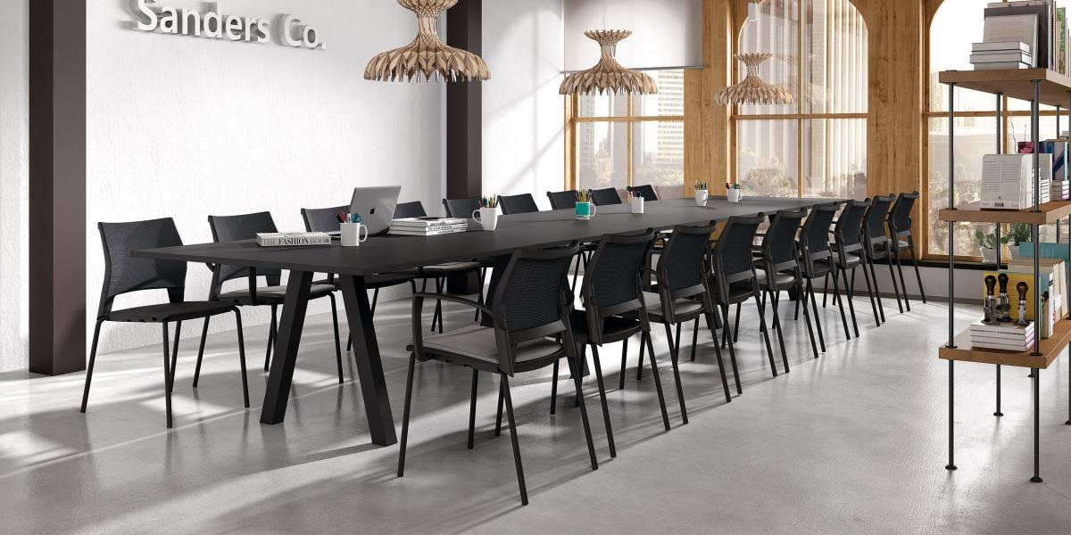 Table VENETO / chaises TECNA