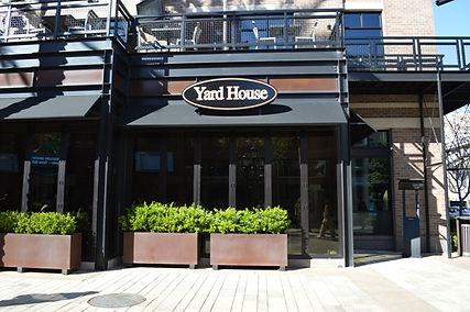 ラスベガス アメリカンレストラン情報 ヤードハウス ビアガーデン