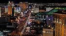ラスベガス オプショナルツアー ヘリコプター遊覧飛行、ストリップ夜景鑑賞&フリーモントストリートエクスペリエンス