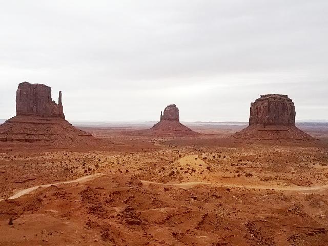 Monument Valley モニュメントバレー