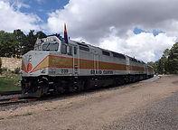 ラスベガス発オプショナルツアー アンテロープキャニオン&グランドキャニオン鉄道1泊2日