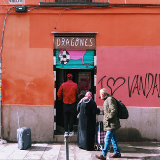 Madrid: Dragon heroes - the Lavapiés lockdown food bank helping vulnerable migrant families