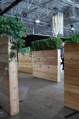 32.Cedar Planter Walls