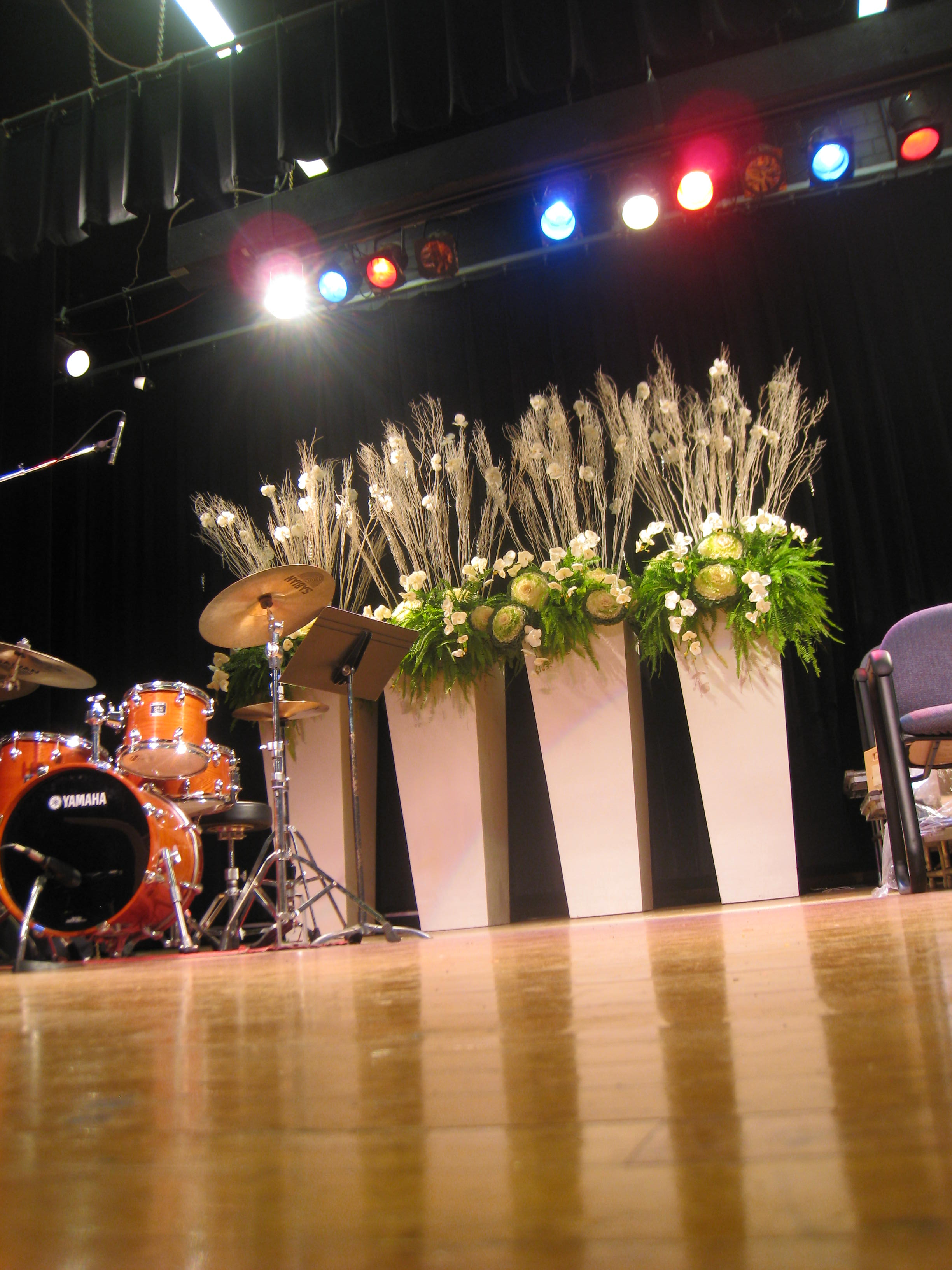 21.Planters Stage Decor