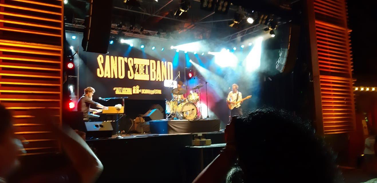 Sand's 2B a Band LIVE