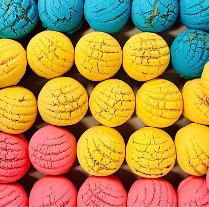 Mini Conchitas & Concha Cupcakes