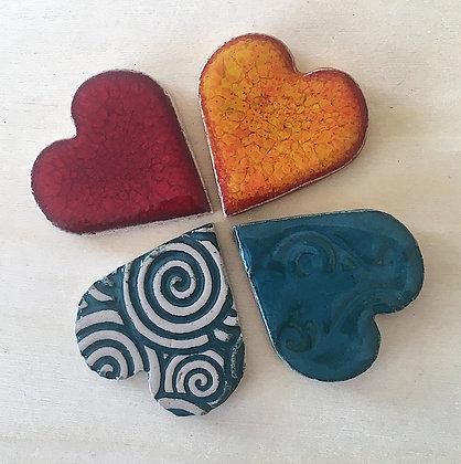 סט 4 לבבות קרמיקה צבעוניים