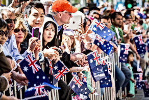 01-Australia-Day-crowd-Crowd-with-flags-
