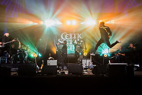 The Celtic Social Club -dranouter-photo