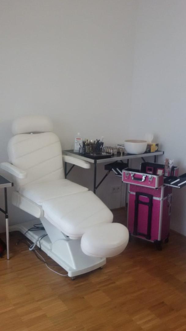 Moderne & saubere Behandlungsplätze