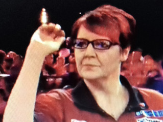 Lancashire rose Lisa Ashton blooms at PDC's  Q School