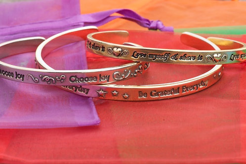 THREE'S COMPANY: Set of 3 Bracelets (M)