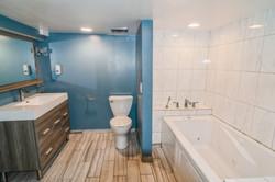 13_4017DeyoAve_8002_Bathroom_HiRes.jpg