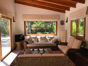 Interior Villa Familiar con Piscina Exclusiva